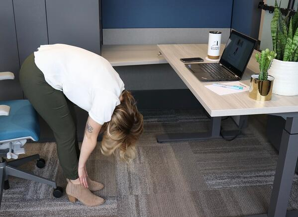 Desk Yoga – Poses That Give You a Good Stretch
